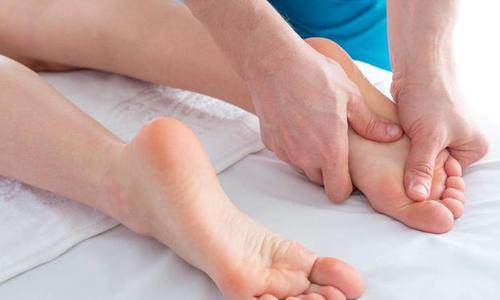 脚底疼痛是什么原因,长时间站立或行走