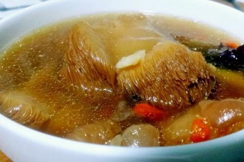 猴头菇和什么煲汤最好,猴头菇的两道经典汤品